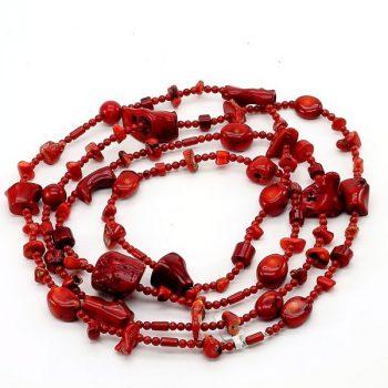 Köves ásványi ékszer festett piros korall hosszú nyaklánc