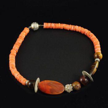 Köves ásványi ékszer narancsos korall tigrisszem nyaklánc