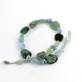 köves ásványi ékszer smaragd és akvamarin nyaklánc