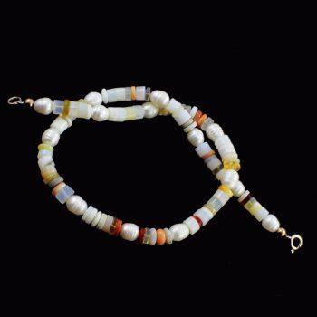 Köves ásványi ékszer opál és gyöngy nyaklánc