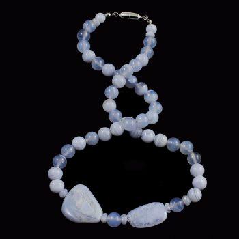 Köves ásványi ékszer. Kékszalag kalcedon nyaklánc
