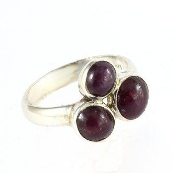Köves ásványi ékszer csillagrubin háromköves 925-ös ezüst gyűrű