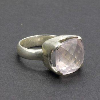 Köves ásványi ékszer rózsakvarc négyzet ezüst gyűrűben