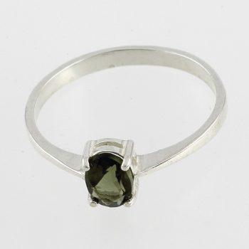 Fazettált ovális moldavit ezüst gyűrűben