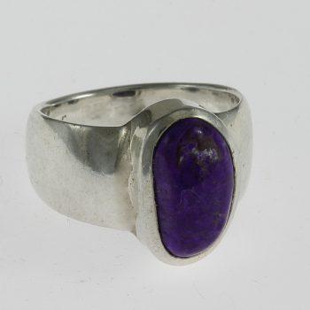 Szugilit fél- kerek gyűrű