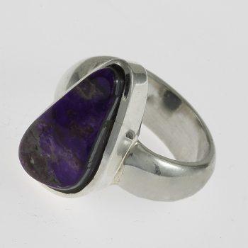 Szugilit  gyűrű