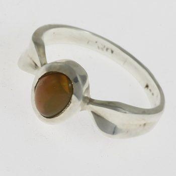 Ovális opál kő gyűrű