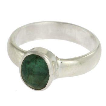 Ezüst gyűrű ovális smaragddal
