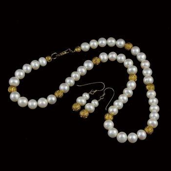 Igazgyöngy nyaklánc és fülbevaló aranyozott ezüst díszekkel